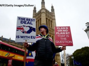 Guvernul britanic respinge petiţia semnată de aproape şase milioane de persoane care cer anularea Brexitului, Londonezul - Romani in UK