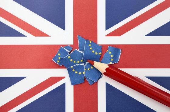 Peste 280.000 de români din Marea Britanie au depus cereri pentru noul tip de rezidenţă după Brexit, Londonezul - Romani in UK