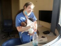 O asistentă din Beirut a salvat trei nou-născuți dintr-un spital lovit de explozia din Beirut