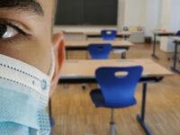 Noul an școlar începe exclusiv online în 43 de localități din România