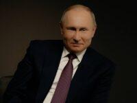 Vladimir Putin a intrat în izolare după ce câțiva membri ai anturajului său s-au îmbolnăvit de COVID-19