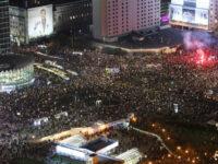 Zeci de mii de oameni au protestat la Varșovia împotriva interzicerii avortului