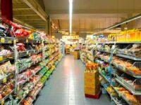 Autoritățile britanice, îngrijorate de răspândirea coronavirusului în supermarketuri