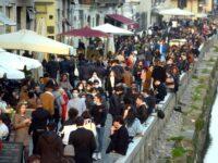 Aglomerație la Milano, în plină pandemie, înainte de restricții