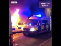 O demonstraţie din Bristol a degenerat în violenţe în care au fost răniţi poliţişti