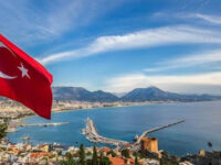 Turcia va primi turiști nevaccinați în sezonul estival
