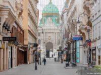 Toate magazinele se redeschid de luni în Austria