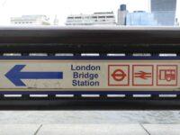 Gara London Bridge a fost evacuată din cauza prezenţei unui obiect suspect într-un tren