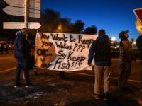 Pescarii francezi au blocat camioanele cu pește din Marea Britanie