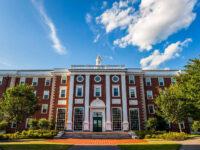 Harvard le va cere studenţilor să fie vaccinaţi împotriva COVID-19