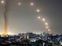 Forţele israeliene intensifică raidurile aeriene