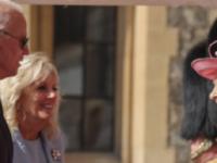 Joe Biden a încălcat protocolul în prezenţa reginei Elizabeth a II-a