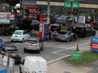 Două sute de militari britanici mobilizați pentru a soluţiona problema penuriilor de carburanţi